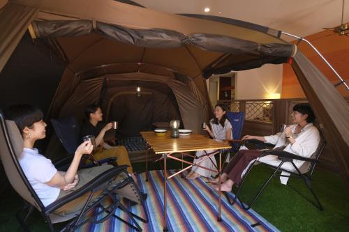 <GoToトラベルキャンペーン割引対象>【キッズ応援!ホテルでキャンプ気分】お部屋はプライベートテラス付き(72平米)でゆったりプラン◇素泊まり◇