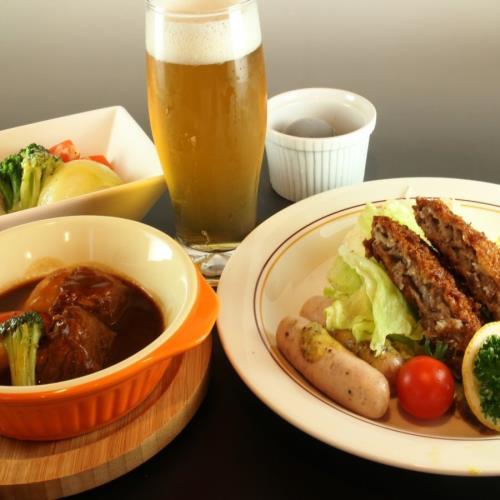 【お子様も喜ぶ】選べる♪お肉屋さんのソーセージなど3種盛りプレートディナー(2食付) 画像
