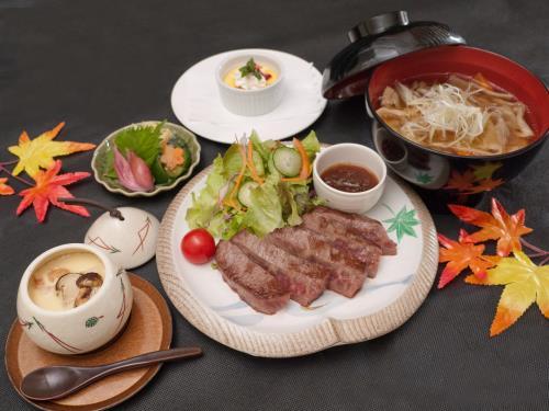 【岩手いいものセレクト】まつたけ茶碗蒸付秋のとステーキ&きのこひっつみ汁 画像