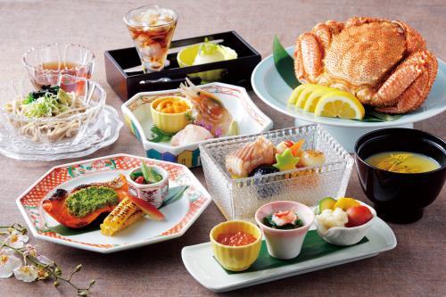 【夕食付・事前決済専用・2名様~】 札幌を代表する料亭の味「杉ノ目」でオークラディナー!1泊2食付プラン