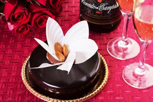 【記念日】大切な人と上質な時間をpremium ~パティシエ特製プレミアムショコラ&スパークリングワイン~ 朝食付
