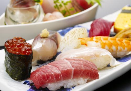 【築地すし】 《1泊2食付》おまかせにぎり寿司プラン ~築地直送の旬のネタを堪能~