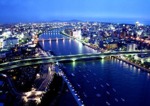 【大人のバレンタイン】萬代橋側の夜景確約&スパークリングワイン付プラン 朝食付