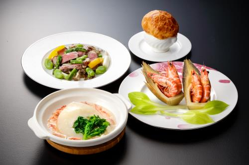 【STAY&DINNER 8000】<桃李・春蘭コース> 朝食・夕食付