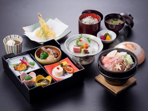 夏季限定1泊2食付プラン!志摩あおさ豚鍋や絶品天ぷら!