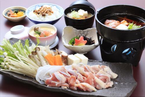 地元ならではの食材を使用した、ここでしか味わうことのできない、旬の郷土料理の魅力をご堪能ください。