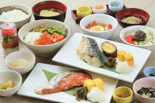 【朝食付】キャフェテリアスタイルで人気の和洋朝食☆