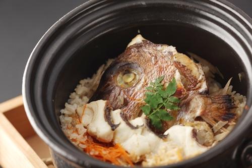 【大分・旅情満喫】 季節の大皿料理